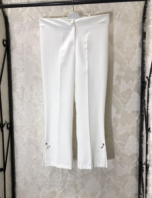 Pantallona treçereksh e hapur ne ane dhe me preçina ne pjesen anesore